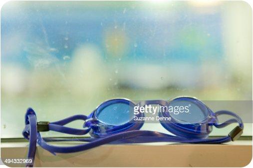 Blue swim googles : Stock Photo