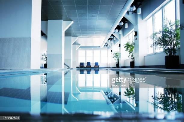 Tons bleu piscine