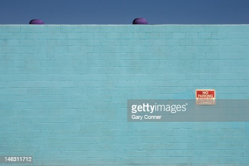 A blue wall in San Pedro