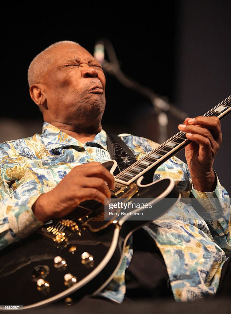 Blues legend <a gi-track='captionPersonalityLinkClicked' href=/galleries/search?phrase=B.B.+King&family=editorial&specificpeople=204744 ng-click='$event.stopPropagation()'>B.B. King</a> performs during day 7 of the 41st annual New Orleans Jazz & Heritage Festival at the Fair Grounds Race Course on May 2, 2010 in New Orleans, Louisiana.