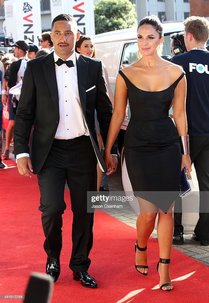 Blues rugby player <a gi-track='captionPersonalityLinkClicked' href=/galleries/search?phrase=Benji+Marshall&family=editorial&specificpeople=215506 ng-click='$event.stopPropagation()'>Benji Marshall</a> and wife Zoe Marshall arrive at the New Zealand Music Awards at Vector Arena on November 21, 2013 in Auckland, New Zealand.