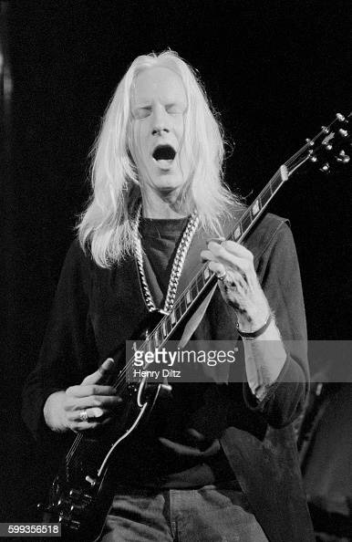 Blues singer Johnny Winter performs at the free Woodstock Music and Art Fair The festival took place on Max Yasgur's dairy farm which he rented to...