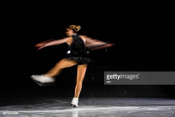 アクションショット撮影を行うスケーターの雌
