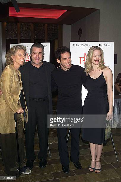 Blythe Danner Robert DeNiro Ben Stillerand Teri Polo pose for photographers at the New York Premier of the film 'Meet The Parents'