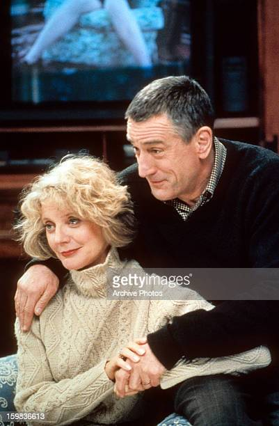 Blythe Danner sitting with Robert De Niro in a scene from the film 'Meet The Parents' 2000