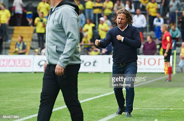 Bo Henriksen head coach of AC Horsens celebrate during the Danish Alka Superliga match between Brondby IF and AC Horsens at Brondby Stadion on July...