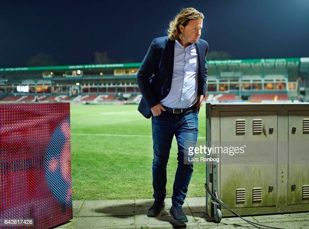 Bo Henriksen head coach of AC Horsens leaving the pitch dejected after the Danish Alka Superliga match between Silkeborg IF and AC Horsens at Mascot...