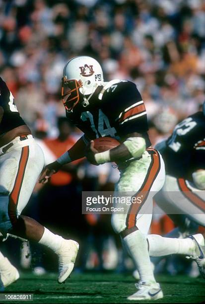 Bo Jackson of the Auburn Tigers carries the ball against the Florida Gators during an NCAA college football game at JordanHare Stadium October 29...