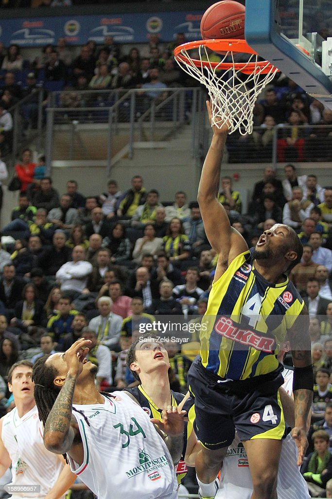 Bo McCalebb #4 of Fenerbahce Ulker in action during the 2012-2013 Turkish Airlines Euroleague Top 16 Date 2 between Fenerbahce Ulker Istanbul v Montepaschi Siena at Fenerbahce Ulker Sports Arena on January 4, 2013 in Istanbul, Turkey.