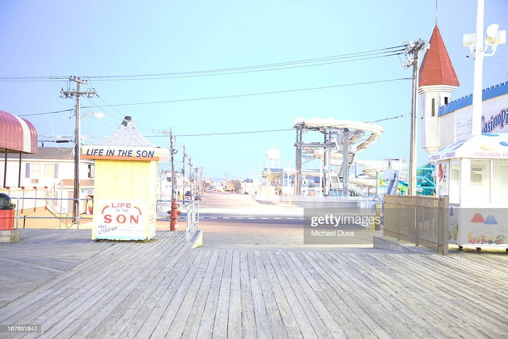 boardwalk and amusement rides in seaside heights