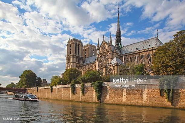 Boat, Seine and Notre Dome, Ile de la Cite