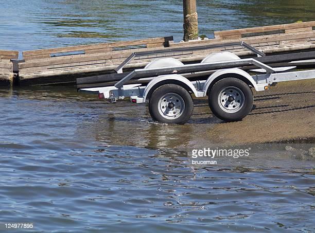 Wasser Boot Anhängers betreten