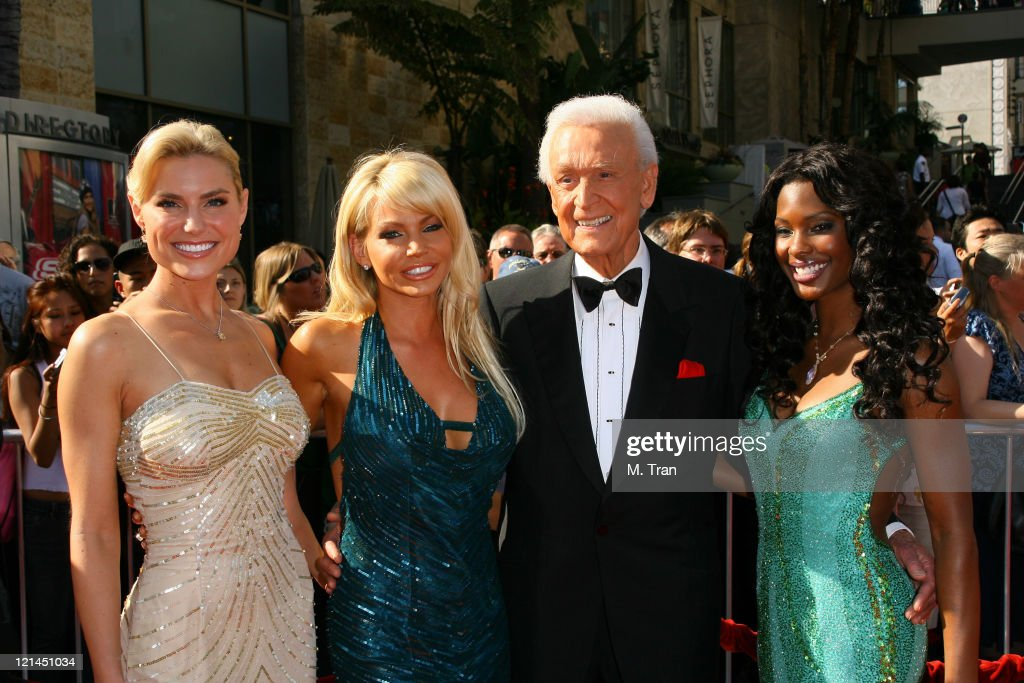 <a gi-track='captionPersonalityLinkClicked' href=/galleries/search?phrase=Bob+Barker&family=editorial&specificpeople=210681 ng-click='$event.stopPropagation()'>Bob Barker</a> (2nd from left) and his Barker Beauties from 'The Price is Right'