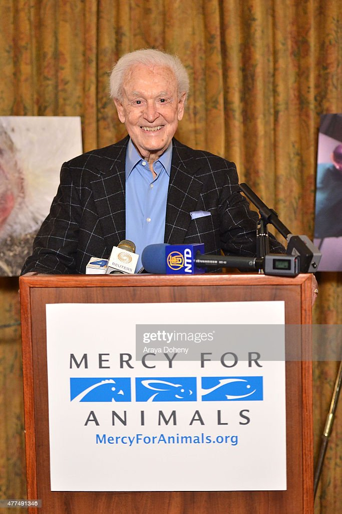 <a gi-track='captionPersonalityLinkClicked' href=/galleries/search?phrase=Bob+Barker&family=editorial&specificpeople=210681 ng-click='$event.stopPropagation()'>Bob Barker</a> and Mercy For Animals announce undercover investigations at facilities allegedly certified by American Humane Assoc. at Millennium Biltmore Hotel on June 17, 2015 in Los Angeles, California.