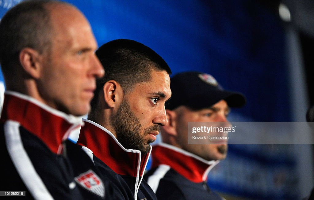 <a gi-track='captionPersonalityLinkClicked' href=/galleries/search?phrase=Bob+Bradley&family=editorial&specificpeople=685515 ng-click='$event.stopPropagation()'>Bob Bradley</a> (L) head coach of US national soccer midfielder <a gi-track='captionPersonalityLinkClicked' href=/galleries/search?phrase=Clint+Dempsey&family=editorial&specificpeople=547866 ng-click='$event.stopPropagation()'>Clint Dempsey</a> (C) and goalkeeper <a gi-track='captionPersonalityLinkClicked' href=/galleries/search?phrase=Marcus+Hahnemann&family=editorial&specificpeople=593351 ng-click='$event.stopPropagation()'>Marcus Hahnemann</a> (C) during a news conference at Irene Farm on June 3, 2010 in Irene near Pretoria, South Africa. US will face England in their 2010 World Cup opener on June 12.