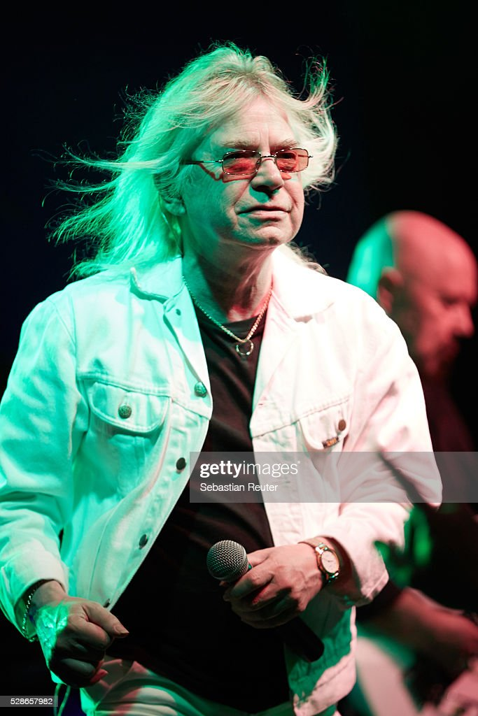Bob Catley of Magnum performs at Columbia Theater on May 6, 2016 in Berlin, Germany.