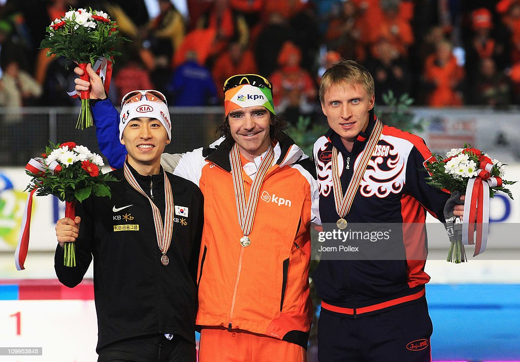 <a gi-track='captionPersonalityLinkClicked' href=/galleries/search?phrase=Bob+de+Jong&family=editorial&specificpeople=822252 ng-click='$event.stopPropagation()'>Bob de Jong</a> (C) of Netherland for first place and Seung-Hoon Lee (L) of Korea for second place and <a gi-track='captionPersonalityLinkClicked' href=/galleries/search?phrase=Ivan+Skobrev&family=editorial&specificpeople=725692 ng-click='$event.stopPropagation()'>Ivan Skobrev</a> (R) of Russia for third place, take place on the podium after the 5000 m heats during Day 2 of the Essent ISU Speed Skating World Cup at the Max Aicher Arena on March 11, 2011 in Inzell, Germany.