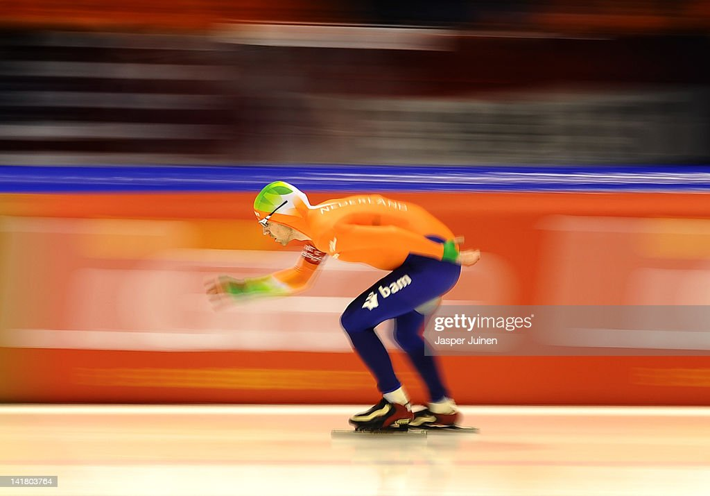 <a gi-track='captionPersonalityLinkClicked' href=/galleries/search?phrase=Bob+de+Jong&family=editorial&specificpeople=822252 ng-click='$event.stopPropagation()'>Bob de Jong</a> of the Netherlands on his way to clock the fastest time at the 10000m race at the Essent ISU World Single Distances Championship Speed Skating at the Thialf Stadium on March 24, 2012 in Heerenveen, Netherlands.