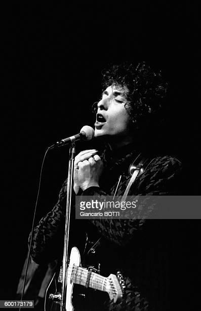 Bob Dylan en concert à l'Olympia en 1966 à Paris France