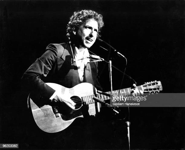 Bob Dylan performs live on stage with The Band at Madison Square Garden New York as part of his 1974 Tour Of America on January 30 1974