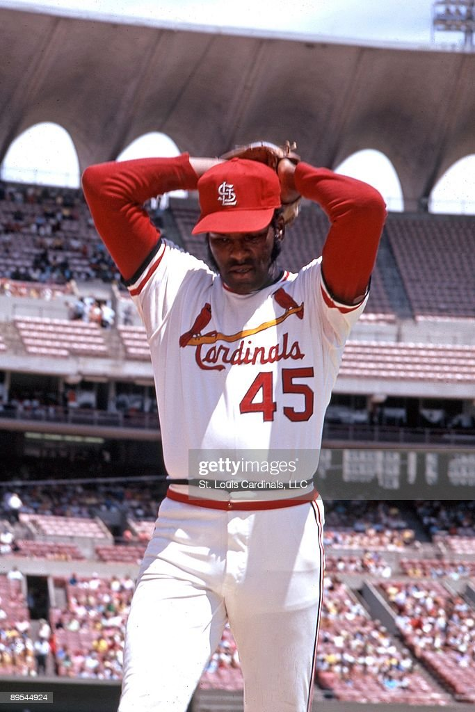 bob-gibson-of-the-st-louis-cardinals-win