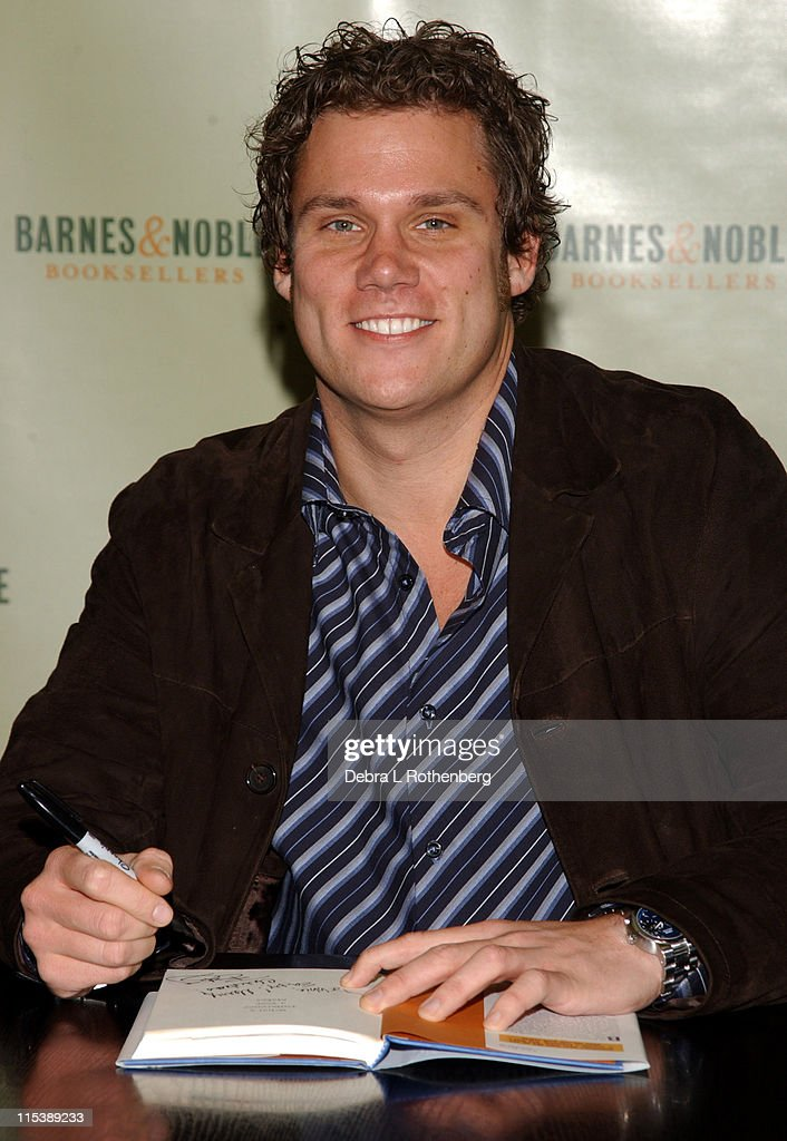 Bob Guiney during 'The Bachelor' Bob Guiney Signs His Book 'What A Difference A Year Makes' at Barnes and NobleRockefeller Plaza in New York City New...