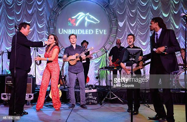 Bob Guiney Robin Meade Frankie Ballard Kris Allen and Landau Eugene Murphy Jr perform at the 2014 Unbridled Eve Derby Gala during the 140th Kentucky...