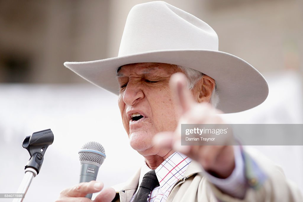 Bob Katter MP speaks on the steps of Parliament House on May 25, 2016 in Melbourne, Australia. The Federal Government is expected to announce an assistance package for dairy farmers, who have been struggling due to falling milk prices in recent months.