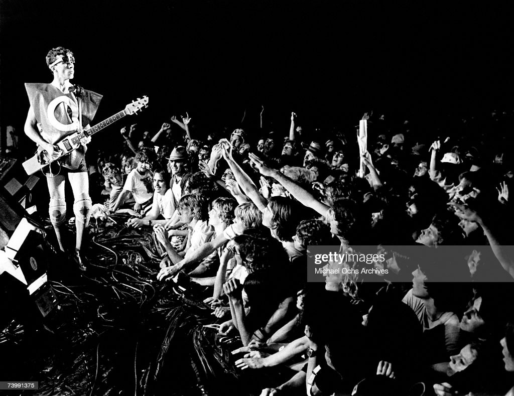 Bob Mothersbaugh of the new wave punk music group 'Devo' performs onstage in circa 1979 in Los Angeles, California.