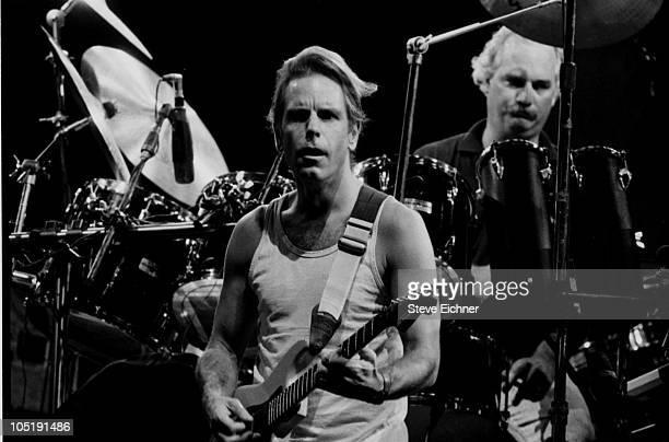 Bob Weir and Bill Kreutzmann of Grateful Dead