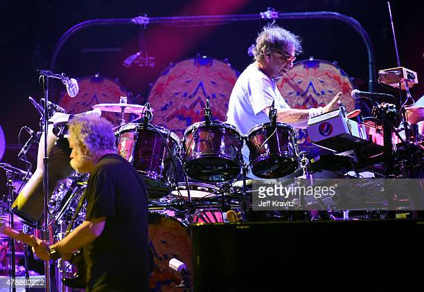 Bob Weir and Mickey Hart of the Grateful Deadnperforms on Fare Thee Well Celebrating 50 Years Of Grateful Dead at Levi Stadium on June 27 2015 in...
