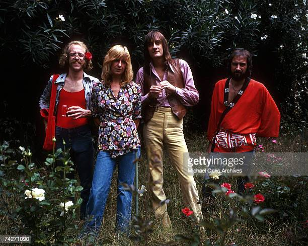 Bob Welch Christine McVie Mick Fleetwood John McVie of the rock group 'Fleetwood Mac' pose for a portrait in August 1974 in Los Angeles California