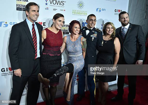 Bob Woodruff Sarah Rudder Michael Kacer and guests attend 10th Annual Stand Up For Heroes at The Theater at Madison Square Garden on November 1 2016...