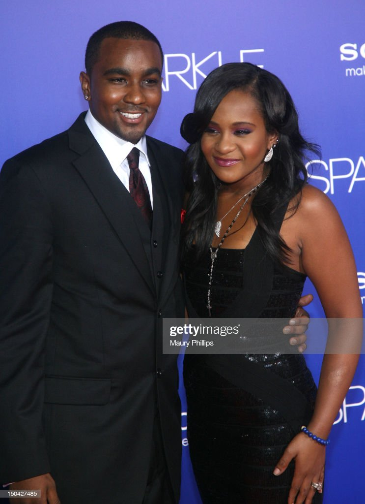 <a gi-track='captionPersonalityLinkClicked' href=/galleries/search?phrase=Bobbi+Kristina+Brown+-+Television+Personality&family=editorial&specificpeople=1198462 ng-click='$event.stopPropagation()'>Bobbi Kristina Brown</a> (R) and <a gi-track='captionPersonalityLinkClicked' href=/galleries/search?phrase=Nick+Gordon+-+Boyfriend+of+Bobbi+Kristina+Brown&family=editorial&specificpeople=14103829 ng-click='$event.stopPropagation()'>Nick Gordon</a> arrive at the Los Angeles Premiere of 'Sparkle' at Grauman's Chinese Theatre on August 16, 2012 in Hollywood, California.