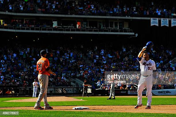Bobby Abreu of the New York Mets waves to fans after hitting a single in the fifth inning against the Houston Astros at Citi Field on September 28...