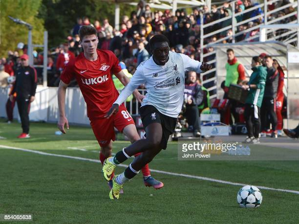Bobby Adekanye of Liverpool competes ith Kirill Orekhov of Spartak Moskva during the UEFA Youth League match between Spartak Moskva and Liverpool FC...