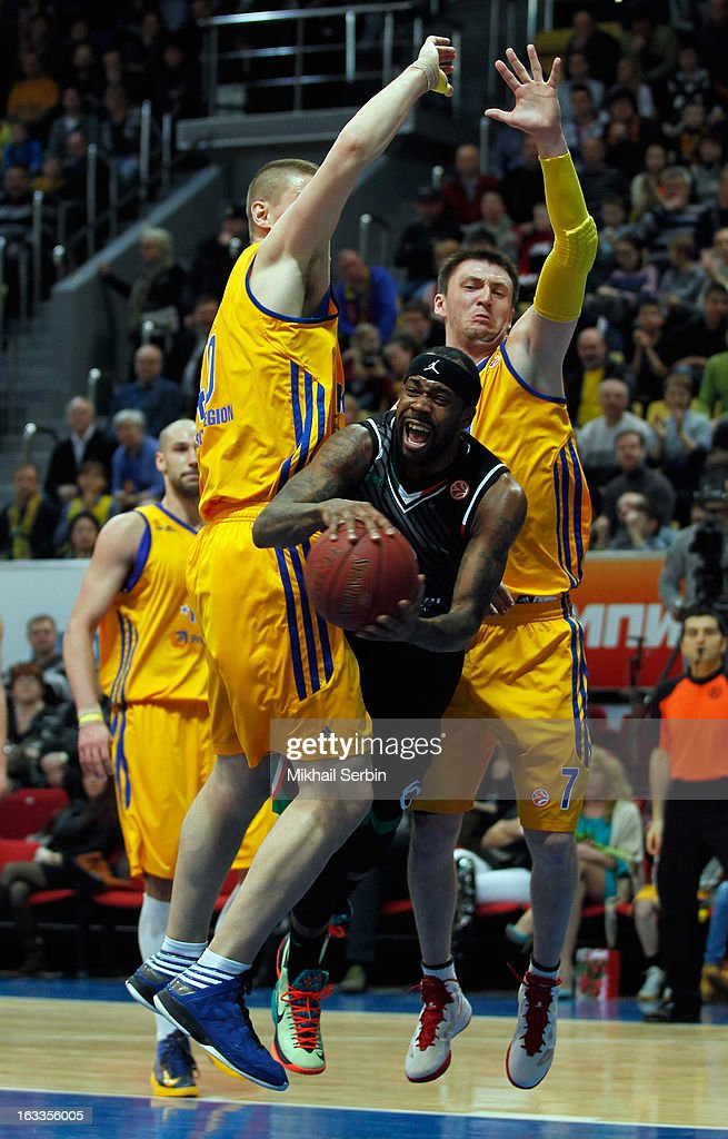 BC Khimki Moscow Region v Montepaschi Siena - Turkish Airlines Euroleague