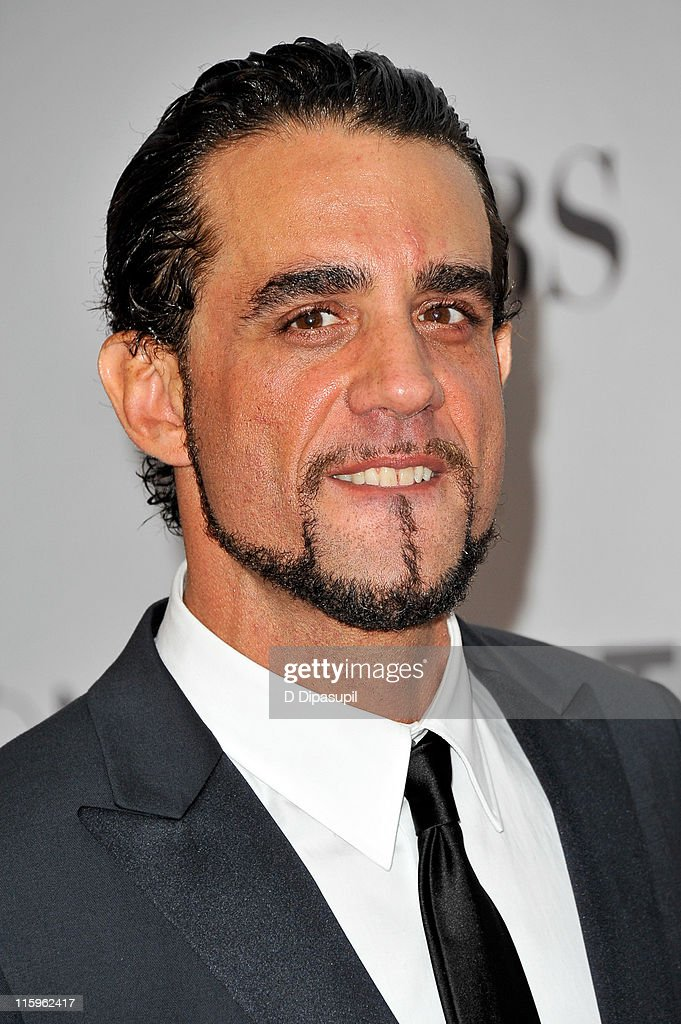 <a gi-track='captionPersonalityLinkClicked' href=/galleries/search?phrase=Bobby+Cannavale&family=editorial&specificpeople=211166 ng-click='$event.stopPropagation()'>Bobby Cannavale</a> attends the 65th Annual Tony Awards at the Beacon Theatre on June 12, 2011 in New York City.