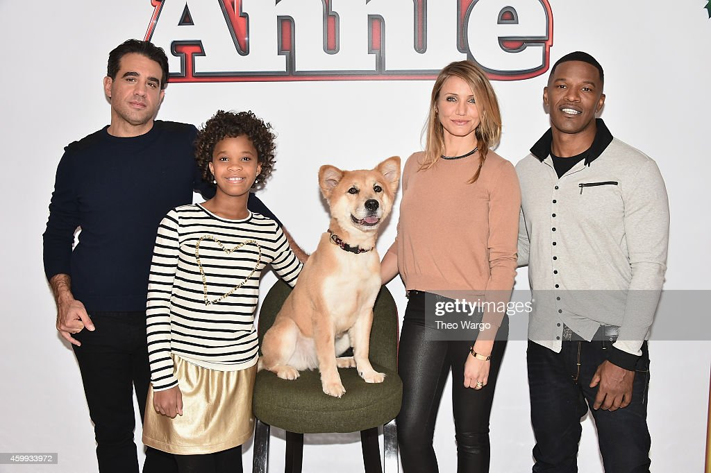 Bobby Cannavale Quvenzhané Wallis Cameron Diaz and Jamie Foxx attend the 'Annie' Cast Photo Call at Crosby Street Hotel on December 4 2014 in New...