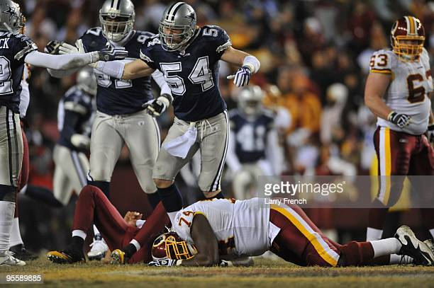 Bobby Carpenter of the Dallas Cowboys defends against the Washington Redskins at FedExField on December 27 2009 in Landover Maryland The Cowboys...