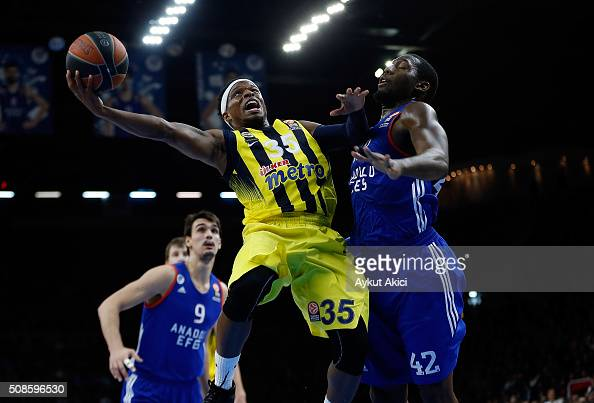 Bobby Dixon #35 of Fenerbahce Istanbul in action during the Turkish Airlines Euroleague Basketball Top 16 Round 6 game between Anadolu Efes Istanbul...