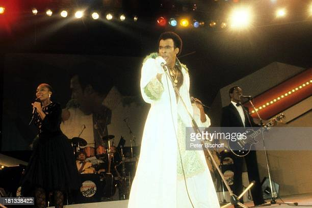 Bobby Farrell Bühne Auftritt Tänzer singen Sänger Mikro AD/TP