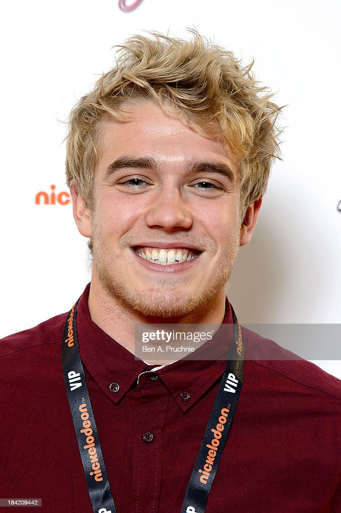 Bobby Lockwood attends the UK Premiere of Sam & Cat at Cineworld 02 Arena on October 12, 2013 in London, England.