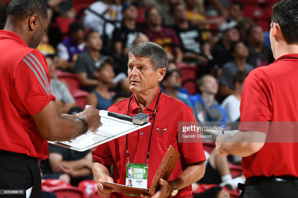 Bobby Lutz of the Chicago Bulls coaches against the Philadelphia 76ers on July 14, 2017 at the Thomas & Mack Center in Las Vegas, Nevada.