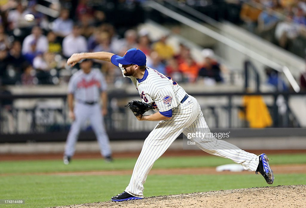 Bobby Parnell #39 of the New York Mets deliver a pitch in the ninth inning against the Atlanta Braves on July 23, 2013 at Citi Field in the Flushing neighborhood of the Queens borough of New York City.The New York Mets defeated the Atlanta Braves 4-1.