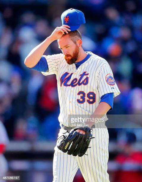 Bobby Parnell of the New York Mets in action against the Washington Nationals during their Opening Day game at Citi Field on March 31 2014 in the...