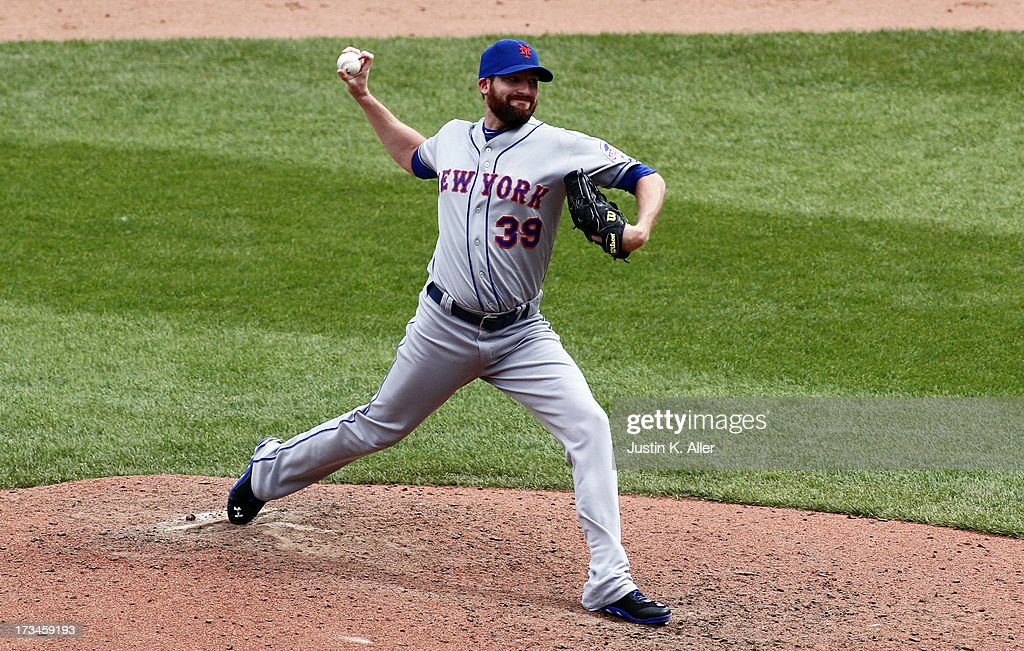 Bobby Parnell #39 of the New York Mets pitches in the ninth inning against the Pittsburgh Pirates during the game on July 14, 2013 at PNC Park in Pittsburgh, Pennsylvania. The Mets won 4-3.