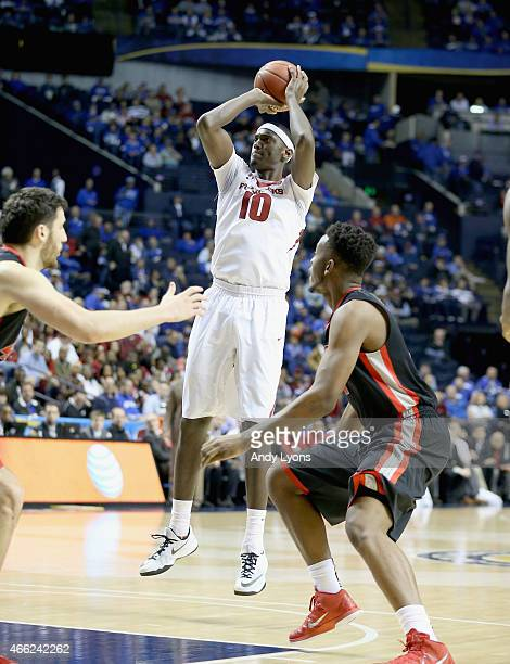 Bobby Portis of the Arkansas Razorbacks shoots the ball in the game against the Georgia Bulldogs during the SEC Basketball Tournament Semifinals at...