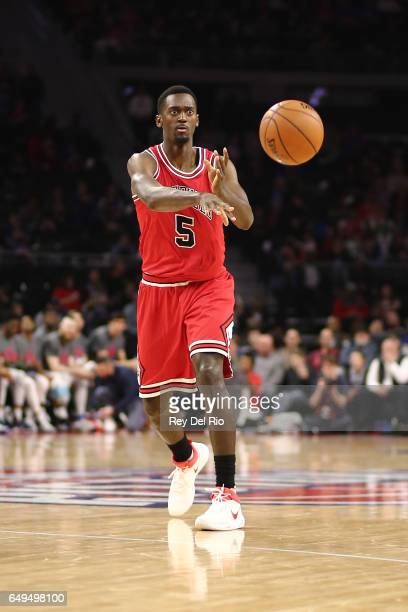 Bobby Portis of the Chicago Bulls pass the ball during the game against the Detroit Pistons at the Palace of Auburn Hills on March 6 2017 in Auburn...