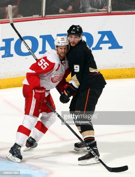 Bobby Ryan of the Anaheim Ducks battles for position against Niklas Kronwall of the Detroit Red Wings in Game Seven of the Western Conference...